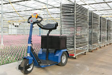 El Horti-Trike es un triciclo eléctrico que puede ser utilizado para tirar de un carrito danés, carrito de subastas o contenedor.